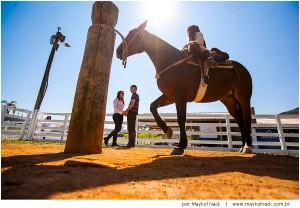 ensaio-sao-martinho-santa-catarina-cabanha-los-lagos-cavalo-crioulo-book-casal-flores-natureza_015