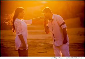 ensaio-praia-do-rosa-pousada-rosa-book-casal-vida-sol-mar-resort_025
